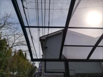 屋根破損部分