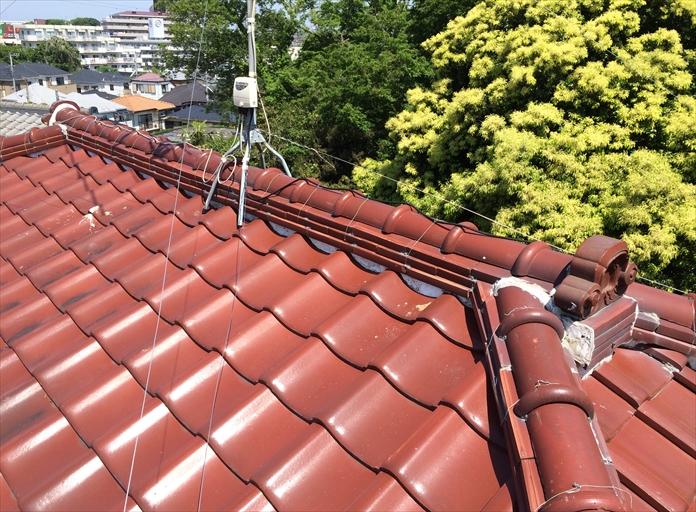 漆喰の剥がれと棟瓦の銅線切れは屋根リフォームのきっかけ|横浜市青葉区
