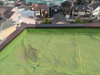 横浜市港南区|マンション屋上笠木補修工事の様子