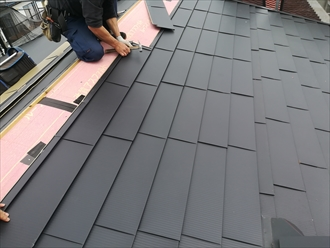 横浜市旭区|金属屋根材 OZルーフ182で屋根カバー工法