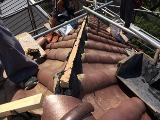 洋瓦屋根の棟瓦取り直し5