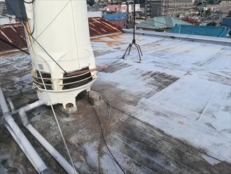 横浜市戸塚区で築30年の瓦棒葺き(トタン)屋根を調査、錆の酷さから全面改修のご提案