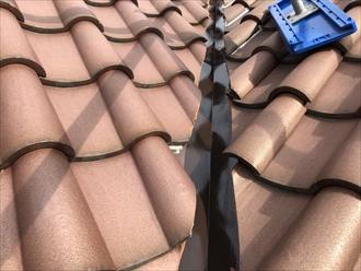 横浜市中区で行った瓦屋根の谷板金塗装は意外な盲点?3