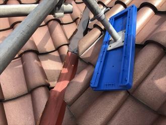 横浜市中区で行った瓦屋根の谷板金塗装は意外な盲点?2