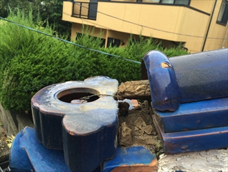 横浜市旭区で倒れた鬼瓦を棟瓦取り直し工事で元に戻します1