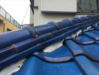横浜市旭区で倒れた鬼瓦を棟瓦取り直し工事で元に戻します2