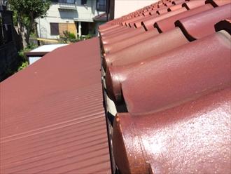 軒先にある雨樋は雨水を受けれる位置に付いてないと漏れます|横浜市南区