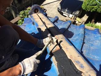 横浜市旭区で倒れた鬼瓦を棟瓦取り直し工事で元に戻します4