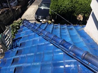 横浜市旭区で倒れた鬼瓦を棟瓦取り直し工事で元に戻します5