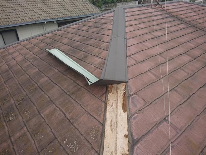 横浜市港北区の築40年の木造住宅、トタン屋根が剥がれたと思っていたら剥がれたのは棟板金でした