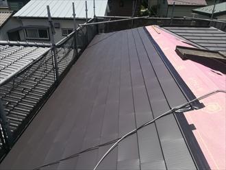 横須賀市で屋根カバー工事、使用屋根材はガルバリウム鋼板「OZルーフ182」