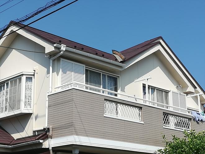 横浜市金沢区で屋根の棟板金を調査、台風の被災は火災保険が適用できます