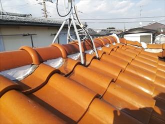 横浜市緑区にて瓦の補修と漆喰(しっくい)の詰め直し工事を行いました