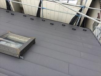 横浜市戸塚区でスレート屋根をスーパーガルテクトのSシェイドチャコールで屋根カバー工事