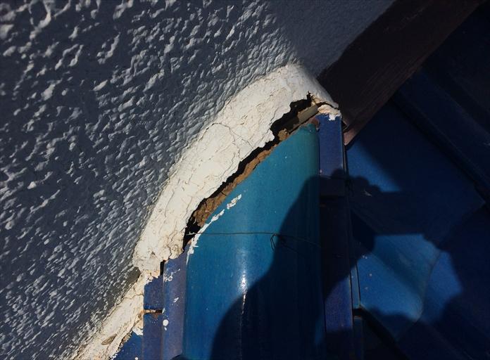 銅線が切れると瓦が倒壊や落下の危険性大!横浜市栄区で棟瓦の調査3