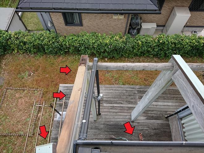 横浜市都筑区で笠木板金が台風により飛散、庭先に変形して落ちていました