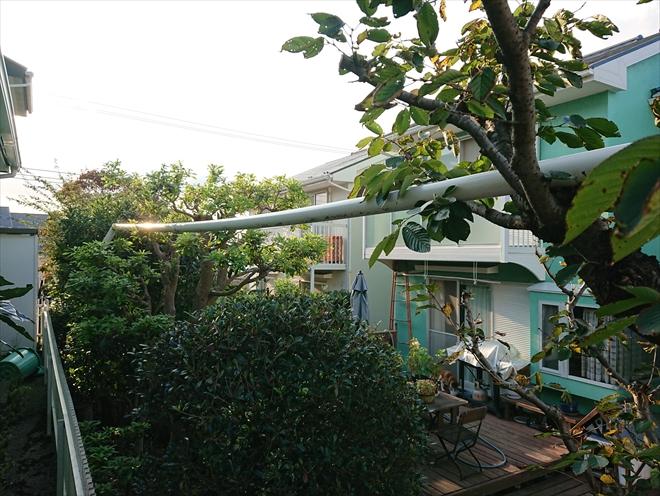 横浜市戸塚区で台風24号により消えた雨樋の行方を追う