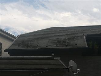 横浜市神奈川区で築15年のスレート屋根を調査、屋根材に層間剥離を確認