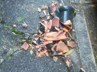 横浜市青葉区にて瓦屋根調査、台風の被害で隅棟が落下