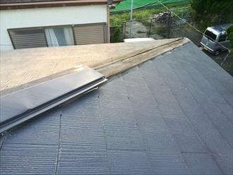 横浜市港南区で台風によってスレート屋根の棟板金が飛散