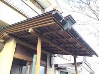横浜市中区で以前に交換した銅製雨樋の色がいい感じに変わってました1