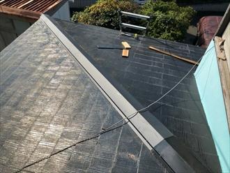 横浜市戸塚区から貫板と棟板金の交換工事の様子をお届けします