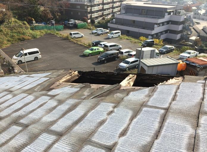 横浜市瀬谷区の屋根調査、風で野地板から剥がれた場合は屋根葺き替え工事1