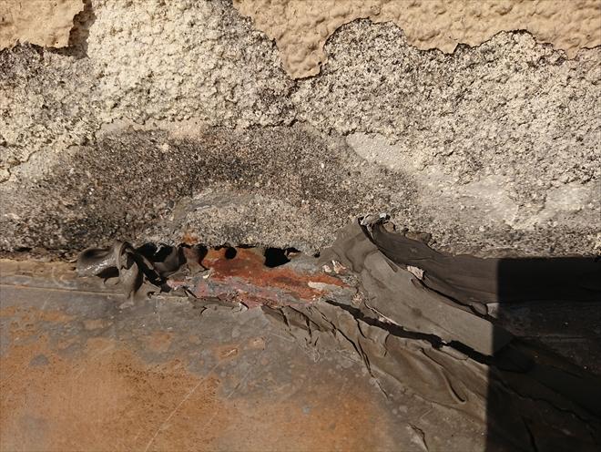 横浜市旭区上白根町にて築40年経過した屋根調査、塗装ではなく葺き替えを考えましょう