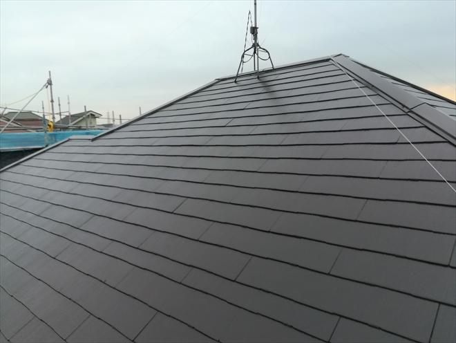 横浜市神奈川区片倉にて棟板金交換と遮熱塗料で屋根塗装