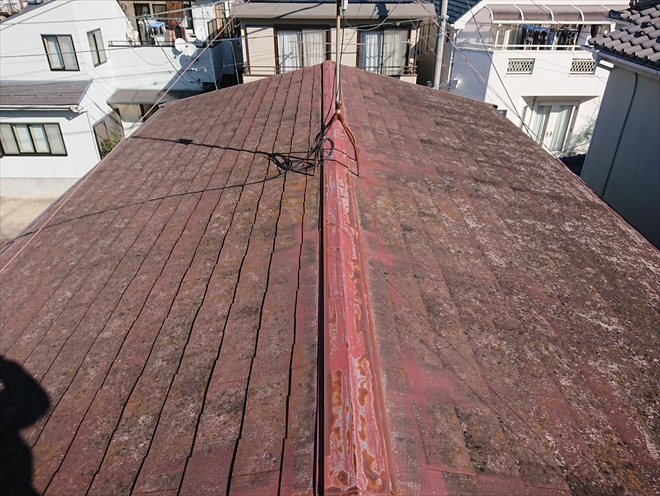 横浜市泉区中田南にて雨漏りしている築30年経過したスレート屋根の調査
