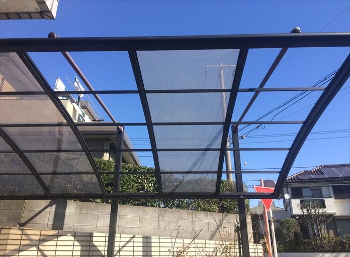 横浜市保土ヶ谷区狩場町で、カーポートの屋根が強風で破損したため調査のご依頼がございました