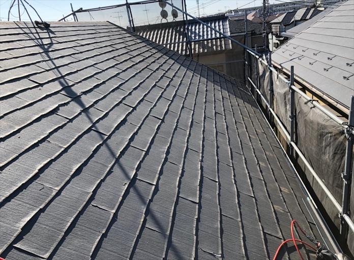 横浜市南区弘明寺町でスーパーガルテクト(Sシェイドチャコール)を使用した屋根カバー工事を行いました
