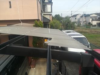 横浜市青葉区市ケ尾町にてカーポート屋根の波板張替え工事を行いました