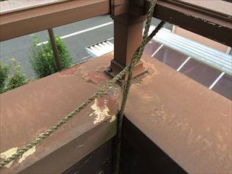 板金笠木の継ぎ目から雨漏りします