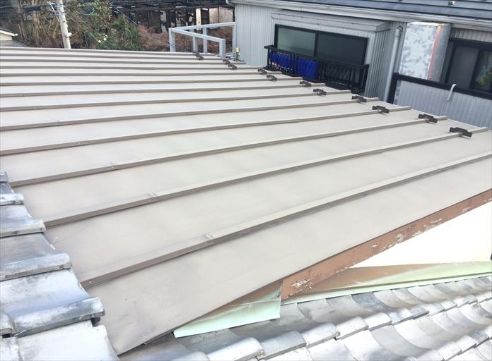 板金屋根は塗装でのメンテナンスが必要