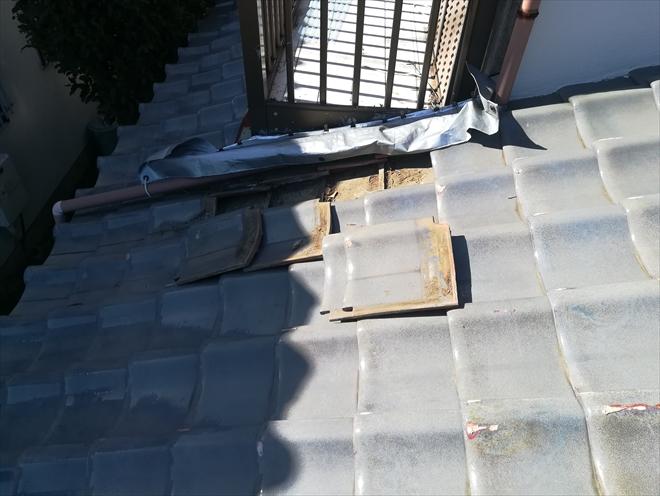 横浜市旭区笹野台にて瓦屋根からの雨漏り調査の様子