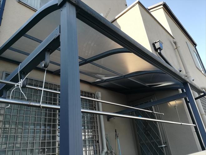 横浜市緑区鴨居にてテラスポートパネルのたわみの調査