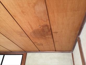 相模原市緑区橋本で雨漏り調査、天井にある染みは雨漏りの可能性大