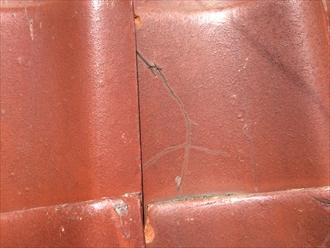 割れ方や欠け方で粘土瓦の寿命が分かります