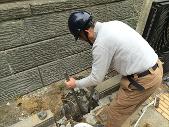 カーポート建て替え工事掘削
