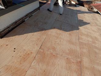 厚木市上荻野 屋根葺き替え工事 野地板交換