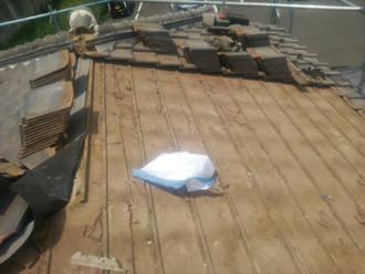 大和市深見 屋根葺き直し工事 屋根材取り外し