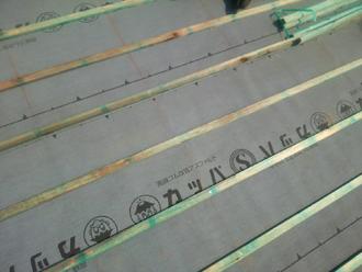 愛甲郡愛川町角田 屋根葺き直し工事 防水紙設置