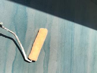 海老名市中新田 バルコニー床の防水工事 プライマーを塗布