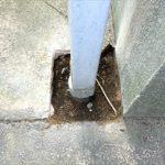 竪樋がコンクリートの地面を通っていても交換が可能