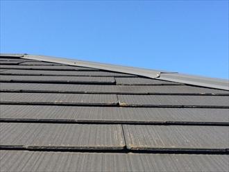大井町金手で行ったスレート屋根調査は、スレートが反っており割れやすい状態でした