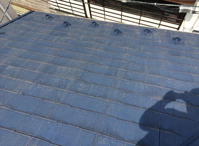 過去に塗装を行ったことがあるスレート屋根を調査