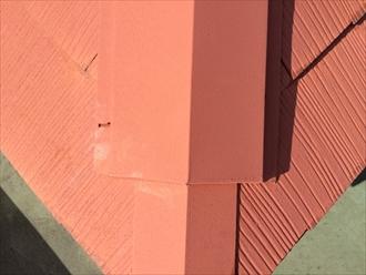 塗装前から棟板金の釘が抜けている