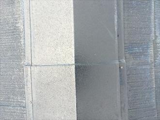 棟板金は固定している釘が抜けます