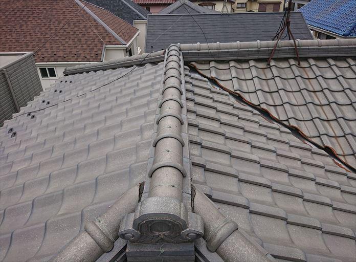 瓦屋根は瓦以外の部材も使用されている